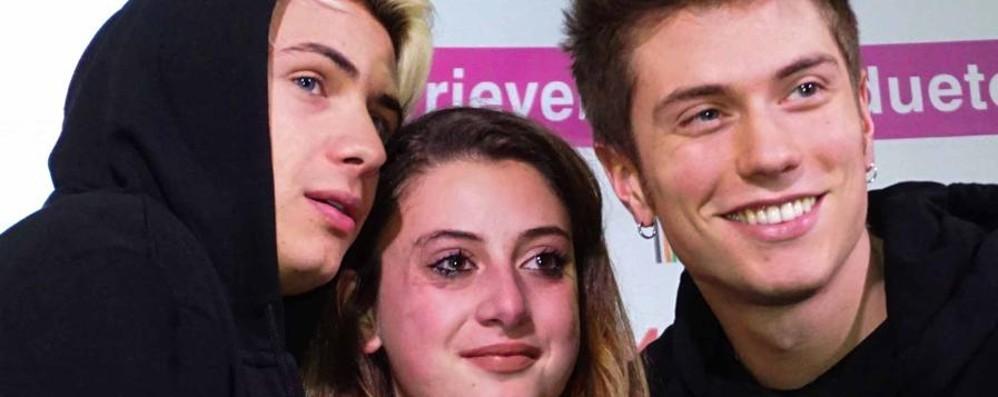 Benji e Fede, la coppia d'oro - Video In 3500 a Stezzano per vederli