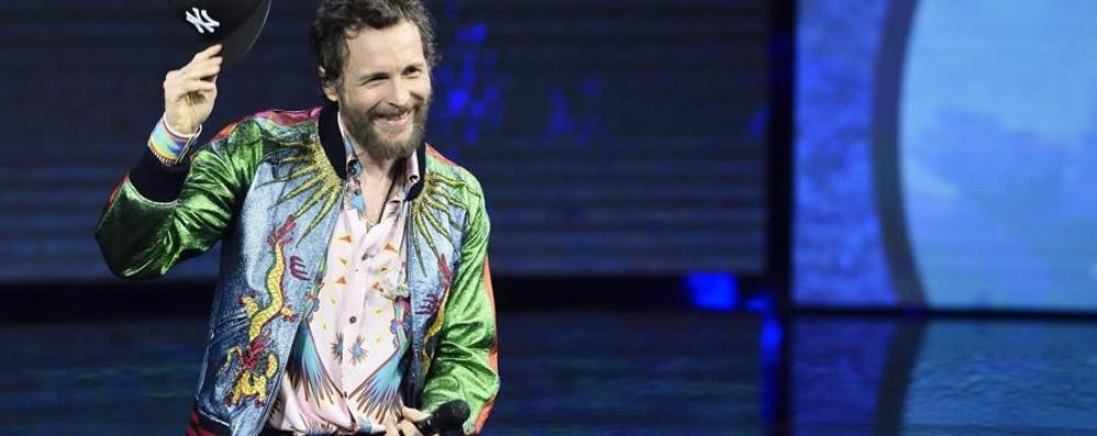 Jovanotti ricorda  Astori durante il concerto Omaggio alla classe '87 di San Pellegrino