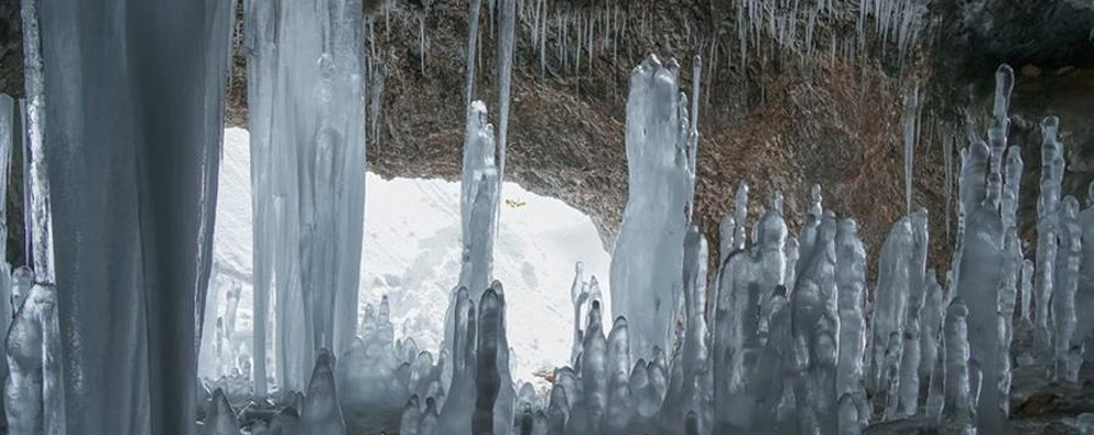 Alle porte della primavera ancora freddo Lo spettacolo del ghiaccio in montagna