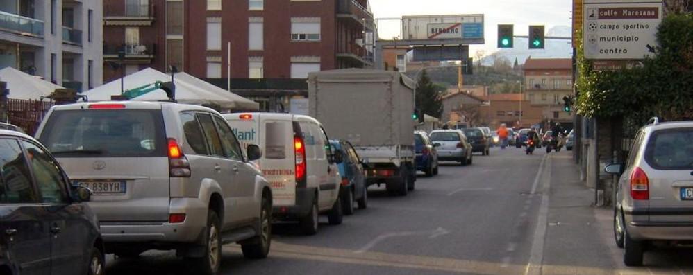 Bergamo, Incidente tra auto e moto Code e traffico verso la Valle Brembana