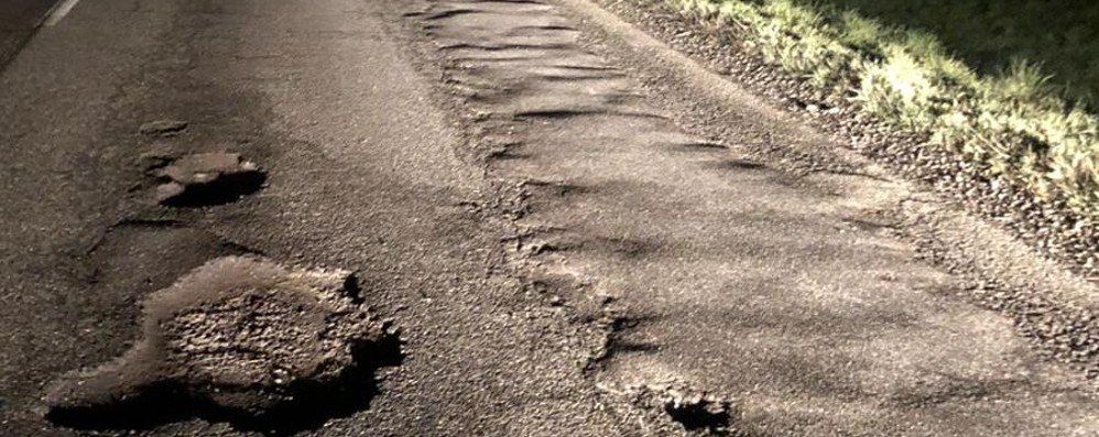 Dalla Bassa fino a S.Simone - Foto/video Buche, rattoppi e crateri in Bergamasca