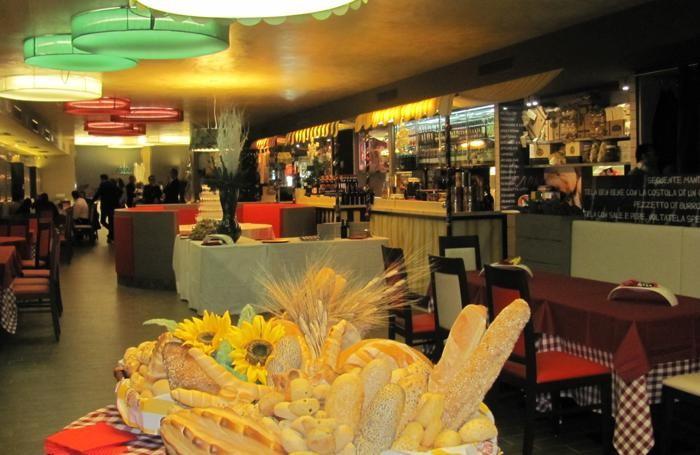 Una veduta del ristorante La Carbonella