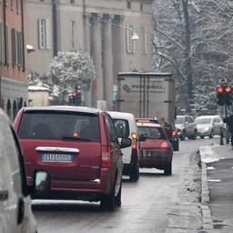 Traffico, le news in tempo reale Ribaltamento a Ghisalba, due ferite