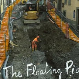 «The Floating Piazz»  a Clusone Passerella di Christo? Su Fb post virale