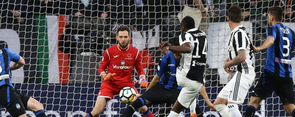 Una Juventus cinica affonda l'Atalanta Con il 2 a 0 lancia la fuga scudetto- Foto