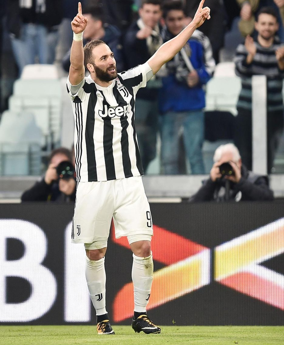 Juventus's Gonzalo Higuain jubilates after scoring the goal olf 1-0