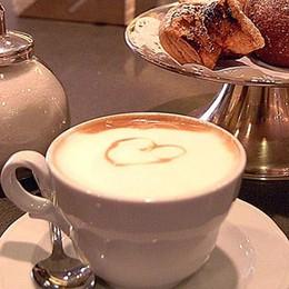 Cappuccino e brioche in pausa pranzo? Ma il bar si rifiuta: non abbiamo tempo