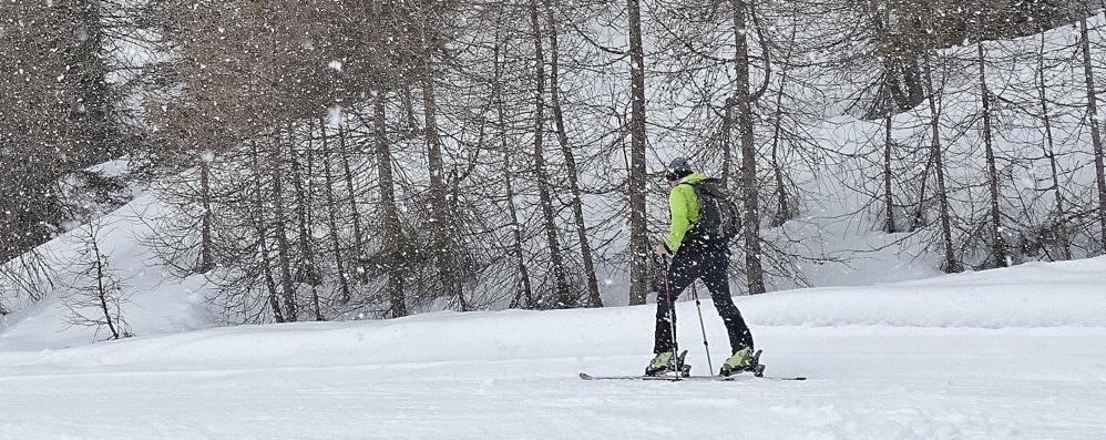 Nevica sulle montagne bergamasche Lanciata l'allerta fino a domenica sera