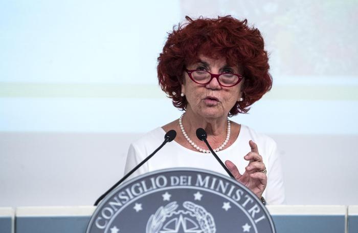 La ministra dell'Istruzione Valeria Fedeli, in una immagine del 19 dicembre 2017. ANSA/ANGELO CARCONI