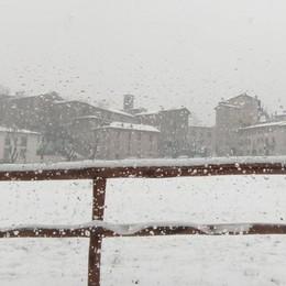 Bergamo, mattinata con i fiocchi Gli esperti: neve fino a lunedì 5 marzo