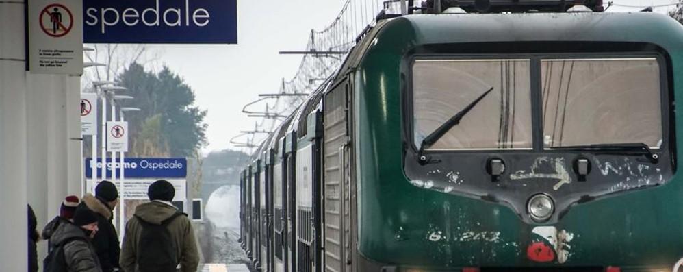 Fermata dell'Ospedale, partenza a rilento   In 10 ore trasportati 327 passeggeri