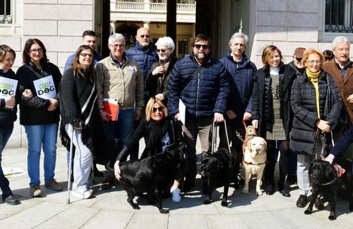 Alcuni degli organizzatori della «Corri dog»