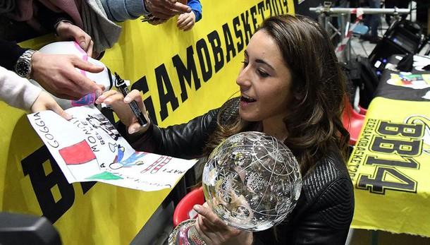 La grande festa per Sofia Goggia - Video Bergamo abbraccia la sua campionessa