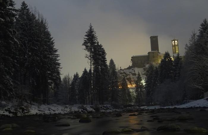Il borgo di Gromo innevato nella notte del 2-3 marzo