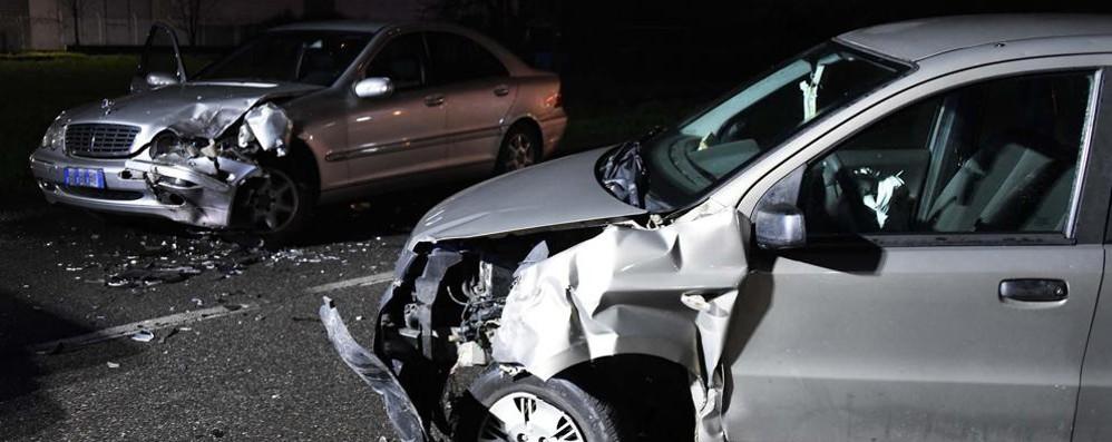 Scontro frontale, muore una donna L'incidente mortale a Ciserano