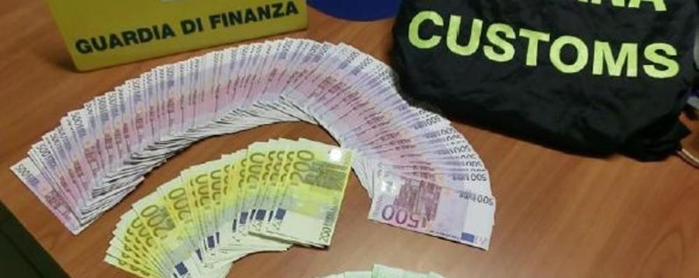 Orio, soldi in valigia non dichiarati Sequestrati 1,5 milioni di euro