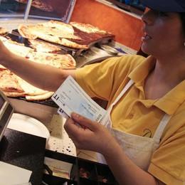 Buoni pasto rifiutati nei bar I titolari: l'azienda non paga