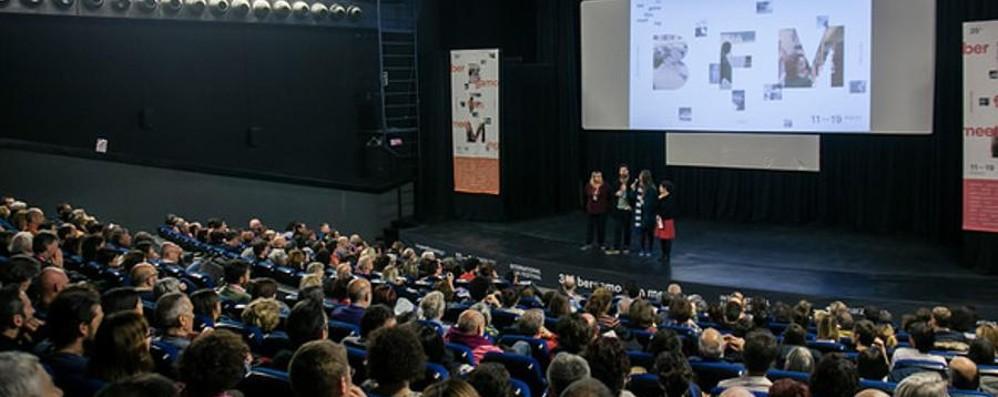 Torna il Bergamo film meeting Stasera il debutto con «L'ultima risata»