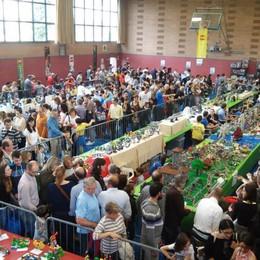 Torna «Mattoncini in Villa» Weekend Lego: riprodotto il Sentierone