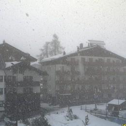 Le foto di Foppolo sotto la neve Sembra gennaio, ma è il 10 di aprile
