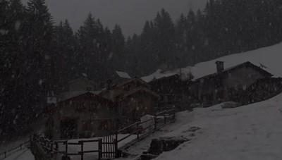 Nevicata ai 1300 metri, sopra Valbondione