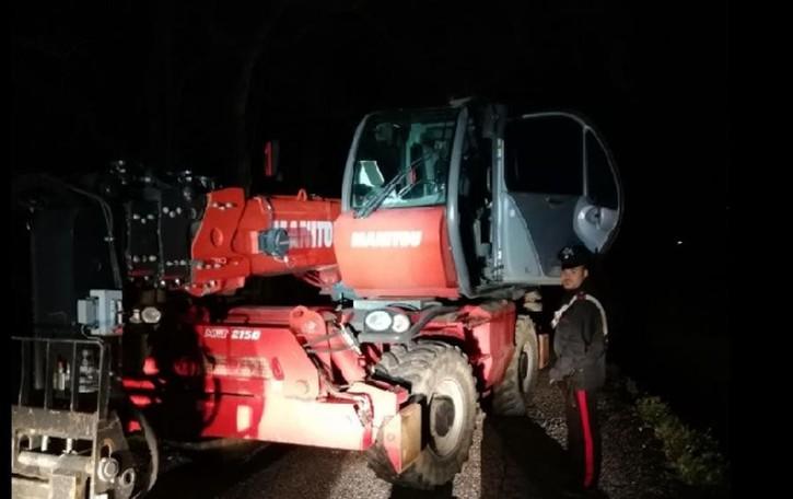 Ruba escavatore da 150 mila euro Ghisalba, 63enne inseguito e arrestato
