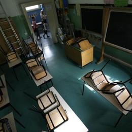 Spintoni e insulti agli alunni a Treviglio Maestra elementare patteggia due anni