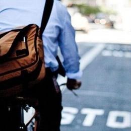 Muoversi in città con la bicicletta Inchiesta a puntate in edicola con l'Eco