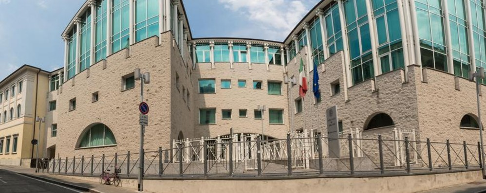 Molesta la fidanzata e vìola domiciliari Finisce ancora in carcere Kiran Maccali