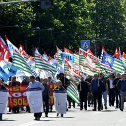 Primo Maggio, sindacati in corteo A Bergamo la manifestazione regionale
