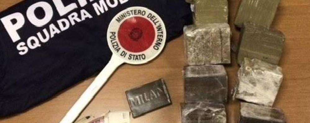Cinque chili di droga in autostrada A Seriate arrestati due pregiudicati
