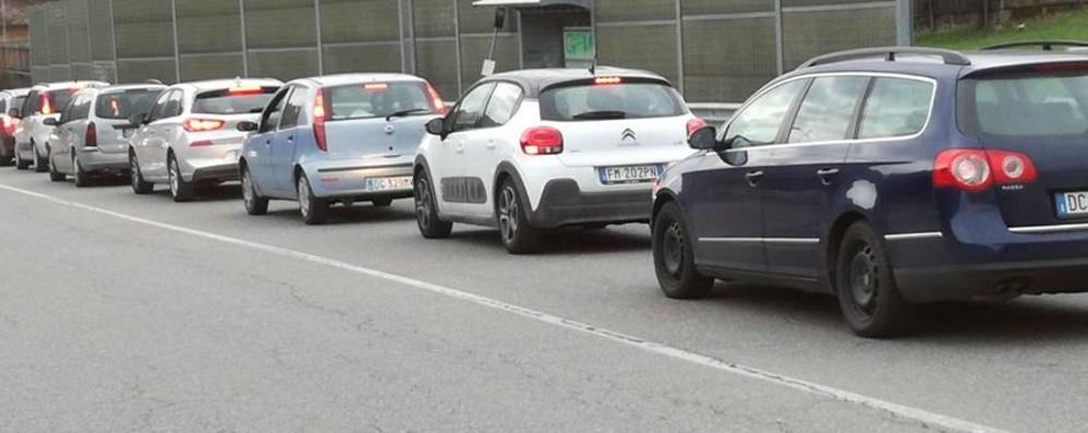 Caos sulle strade per il rientro a casa Tutti fuori a Pasquetta, ecco le tue foto