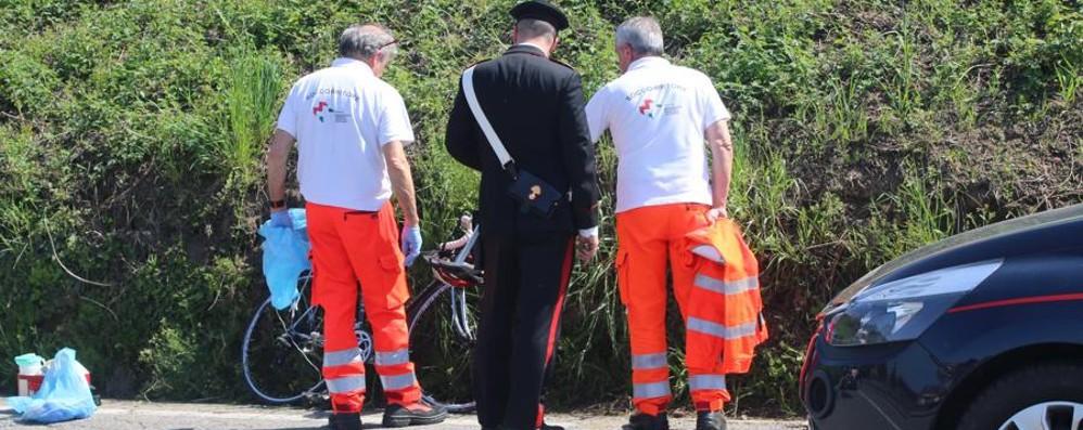 Ciclista di 81 anni cade a Villa d'Adda Interviene l'elisoccorso, è grave