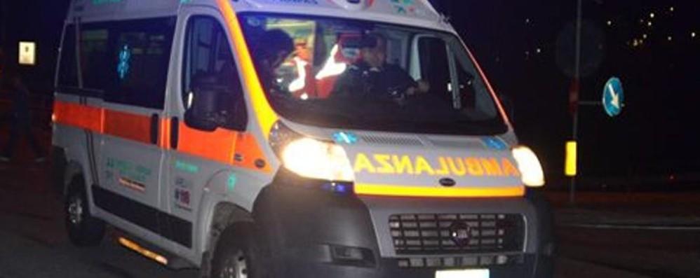 Scontro tra due auto sulla Francesca Grave un uomo, ferita bimba di 6 anni