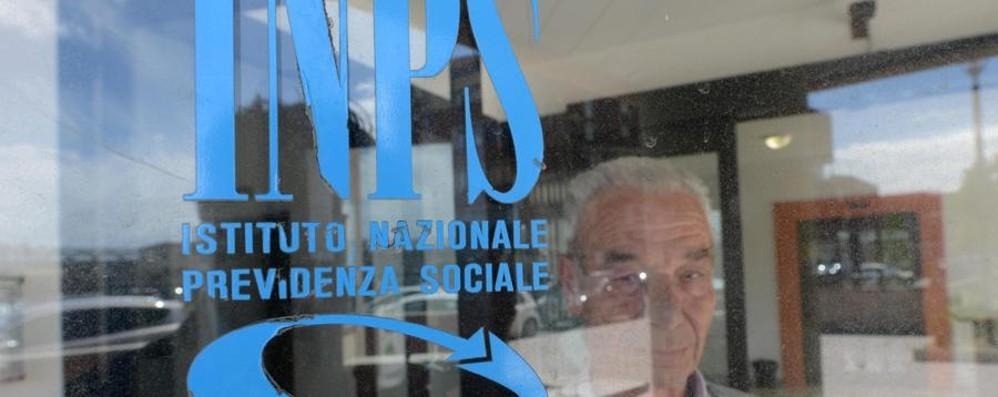 «Niente pensione e conto azzerato» Costa Volpino, disavventura di un 70enne