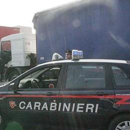 Sequestrata merce su un tir dalla Turchia Il controllo dei carabinieri sulla statale 42