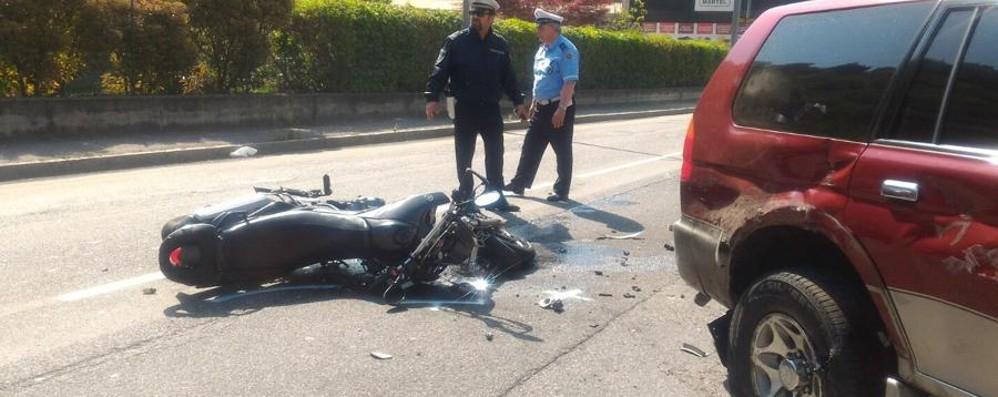 Brutto schianto a Casnigo Motociclista  in ospedale con l'elisoccorso