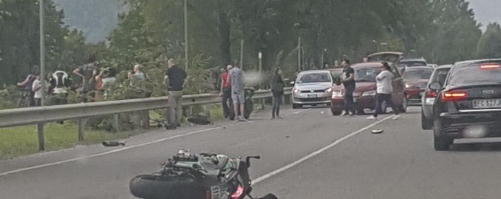 Schianto in moto nel Lecchese Resta grave il 28enne di Ponte San Pietro
