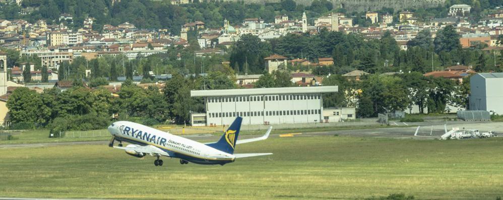 Guasto causa ritardi negli aeroporti  Ma a Orio voli (quasi) tutti regolari