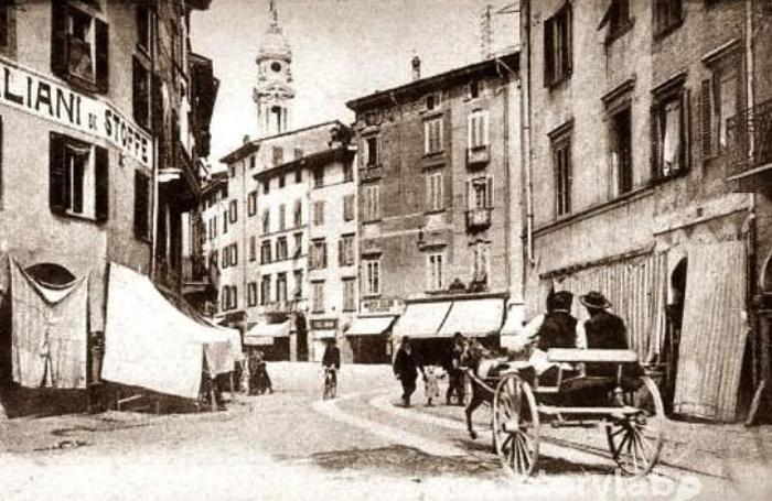 Piazza Pontida ieri