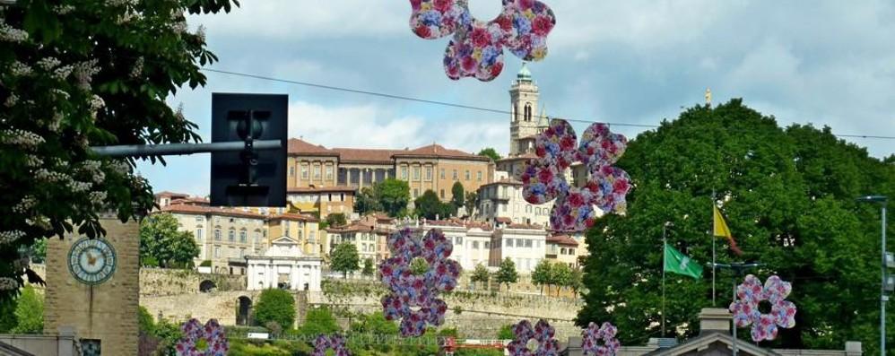Maggio è «Bergamo in fiore» Laboratori per tutti i gusti in città
