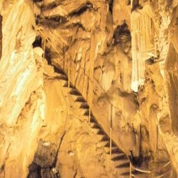 Riaprono le grotte delle meraviglie Un tesoro della natura a Zogno