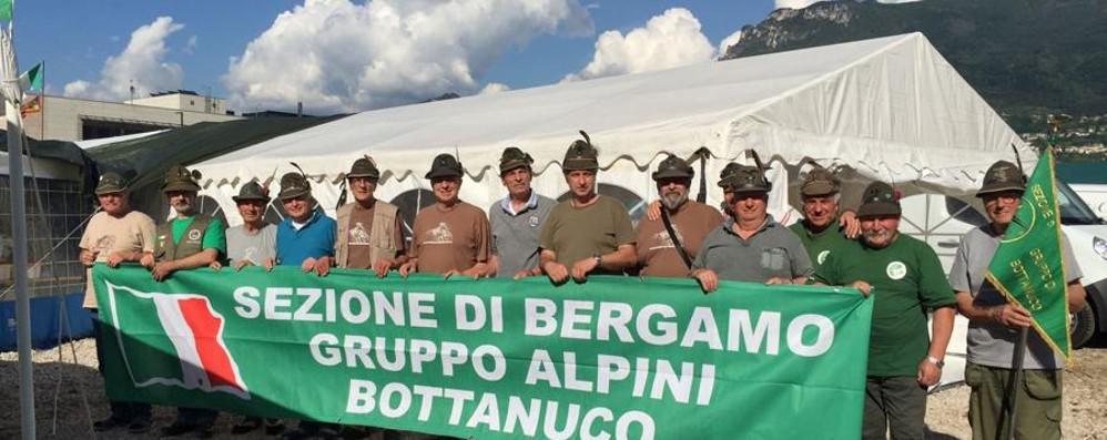 I primi ad arrivare? Sono di Bottanuco La  festa degli alpini orobici a Trento