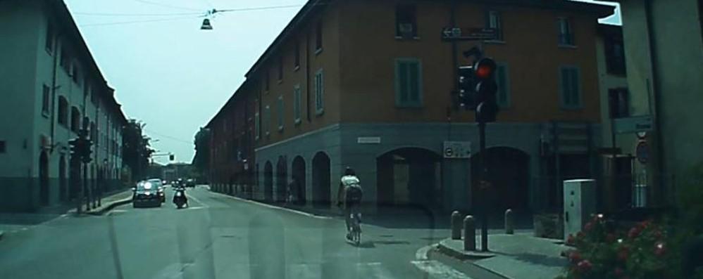 «Diciamola tutta!», la mail di un lettore Ok tutelare i ciclisti ma... guardate il video