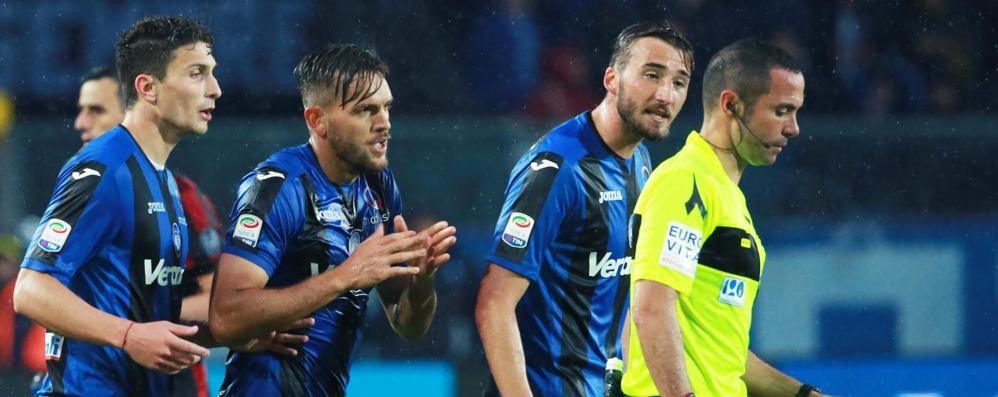 Applauso all'arbitro, Toloi paga Squalifica e ammenda da 5000 euro