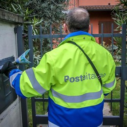 Poste assume portalettere (laureati)  I sindacati frenano: «Serve chiarezza»
