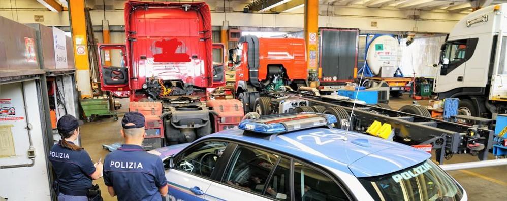 Tachimetri taroccati con il Bluetooth  10mila euro di multa a due camionisti