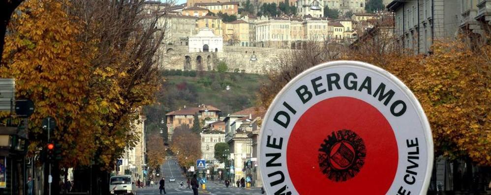 Bergamo, sabato delicato per il traffico Il Comune: «Usate i mezzi pubblici»