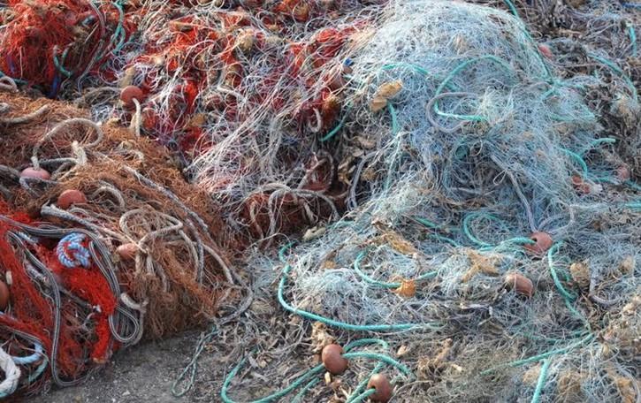 Le reti da pesca diventano costumi A Carvico il riciclo diventa moda