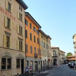 Novità per la sosta a Bergamo Primo posto auto riservato a un hotel